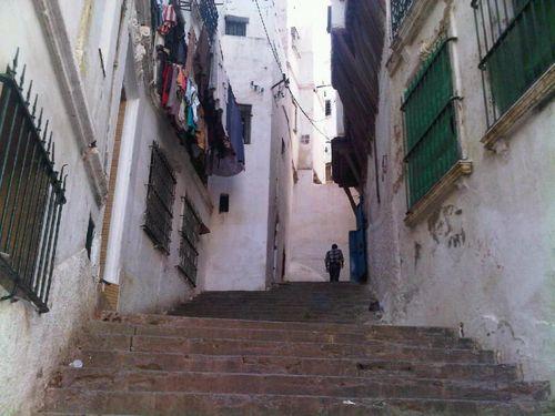Les escaliers qui descendent de la Kasbah